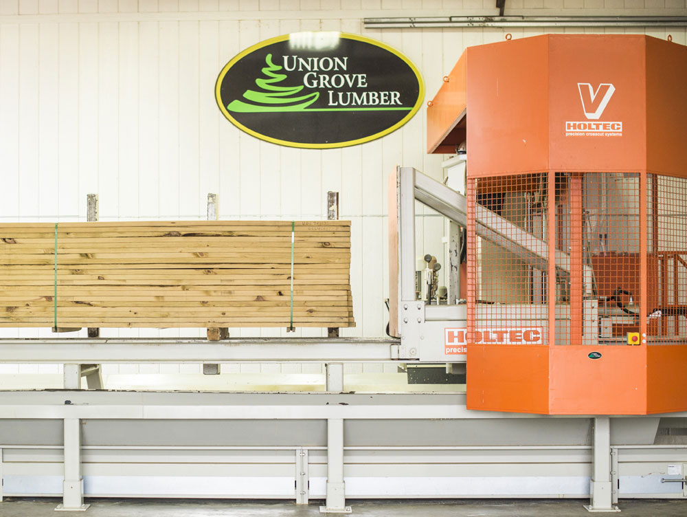Precision End Trim for Barn and Shed Lumber